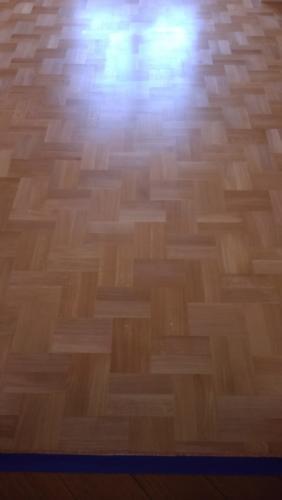 Штучный паркет из дуба «Диагональная двойная английская елочка»Сорт НатурПокрытие «шелковисто-матовый» лак